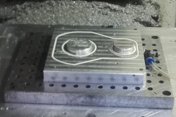 The Advantages of Using a Fixture Plate on Your CNC Machine
